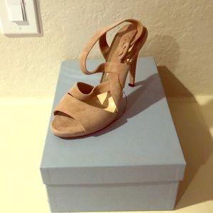 Never worn Prada heels size 38 in blush suede